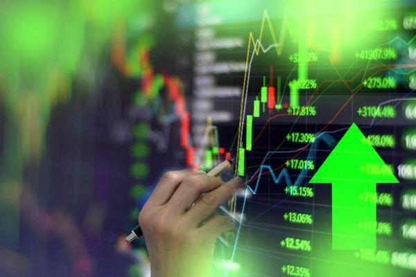 رشد خفیف بورس، افزایش قیمت دلار ، افت دستهجمعیارزهای دیجیتال