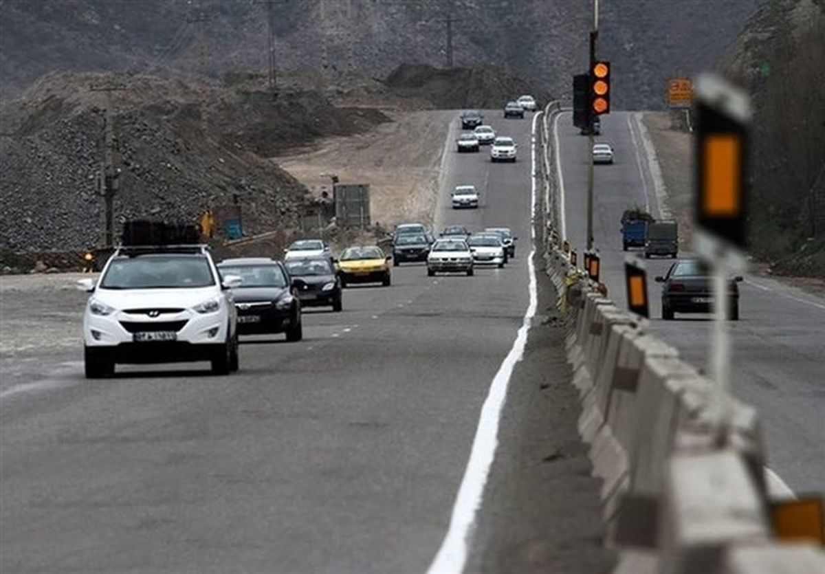 """محور """"هراز و کندوان"""" ترافیک پرحجمی دارد"""