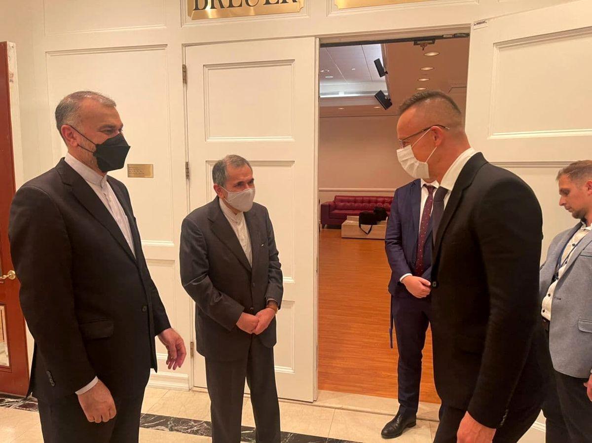 وزرای خارجه ایران و مجارستان به توسعه روابط اقتصادی دوکشور تاکید  کردند