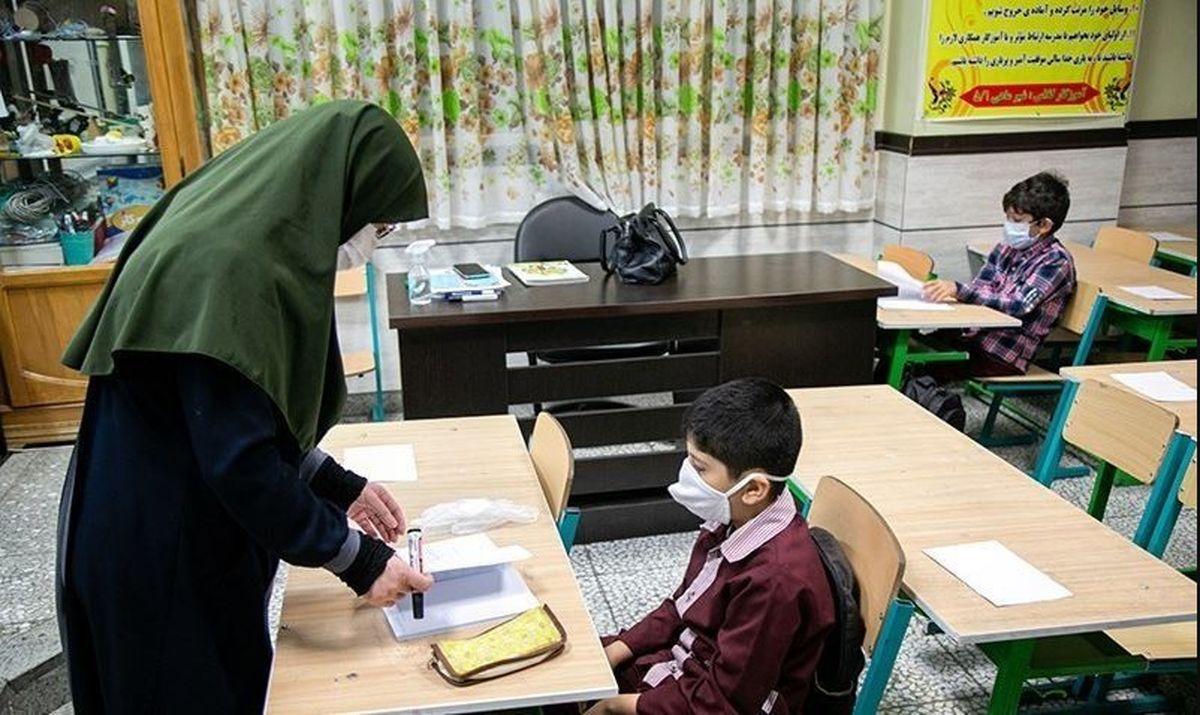 اولویت تأمین سلامت دانشآموزان و معلمان بر فعالیتهای آموزشی