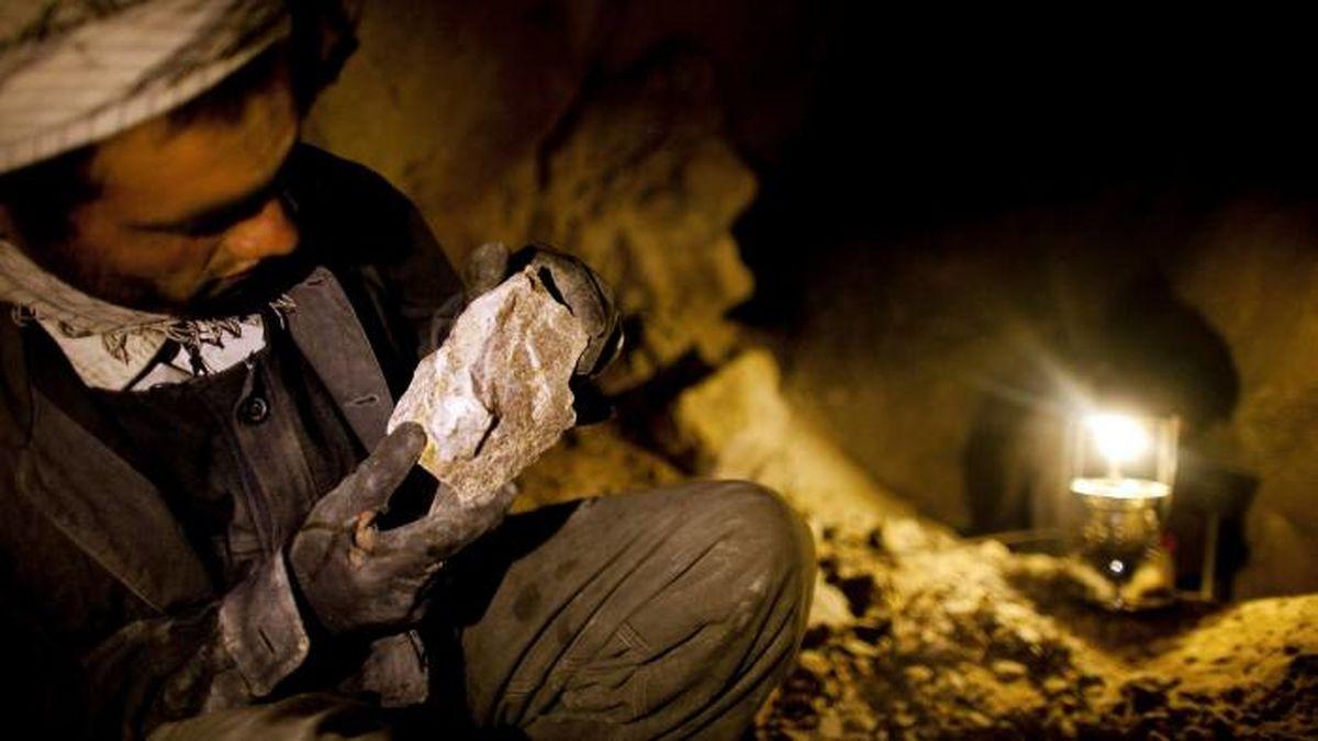 آیا قاچاقچیان و مجاهدان میتوانند معدنچی شود؟