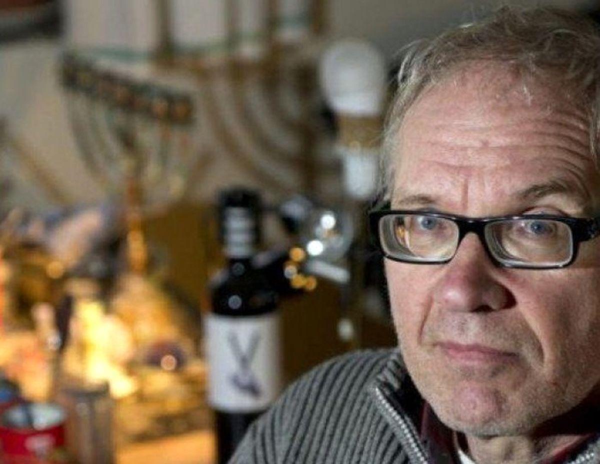 کارتونیست سوئدی که تصویر موهنی از پیامبر (ص) کشیده بود کشته شد