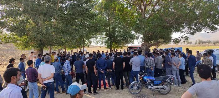 اعتصاب با افزایش تعداد کارگران ادامه دارد